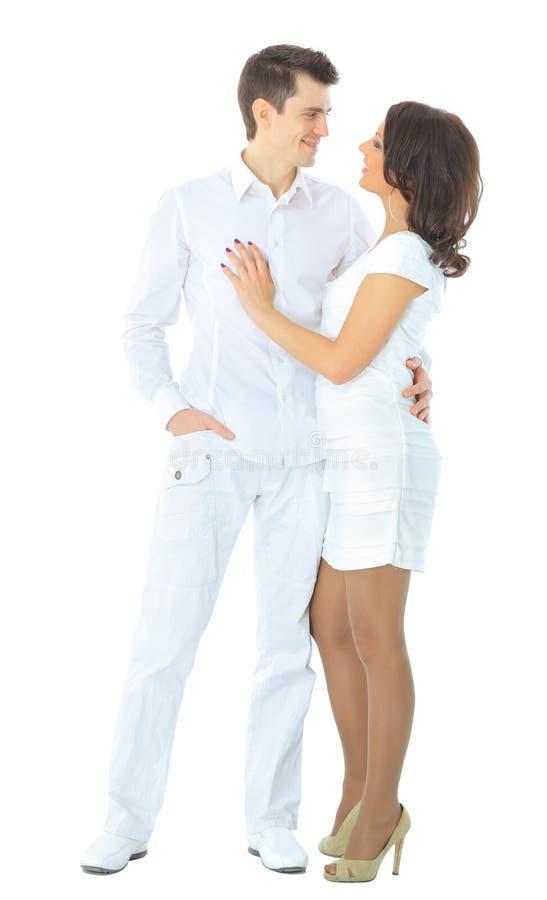 Portrait eines romantischen jungen Paares lizenzfreies stockbild