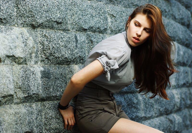 Portrait eines schönen Mädchens lizenzfreie stockbilder