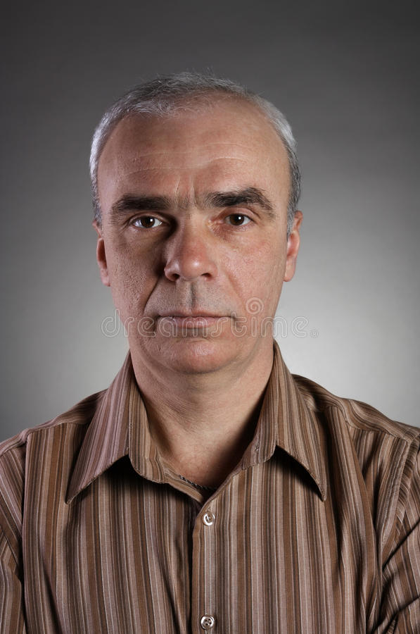 Portrait eines wirklichen Mannes stockfotos