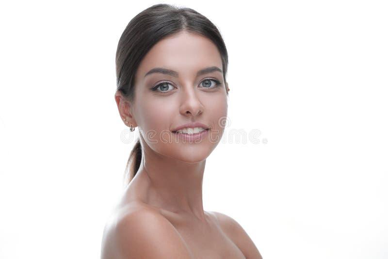 Portrait en gros plan d'une jeune femme avec le maquillage naturel image libre de droits