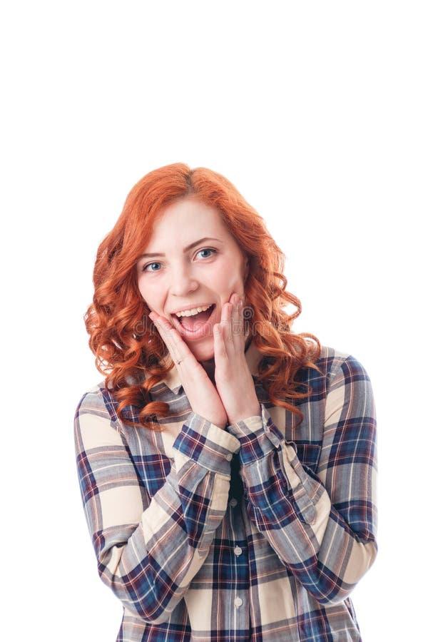 Portrait en gros plan de belle fille étonnée Au-dessus du fond blanc photo libre de droits