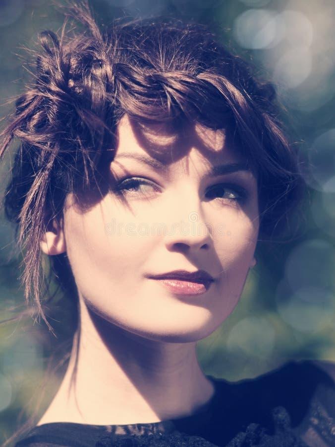 portrait femelle avec le bokeh de beauté photographie stock