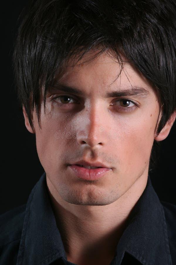 Portrait - Gesicht des jungen Mannes lizenzfreie stockfotos