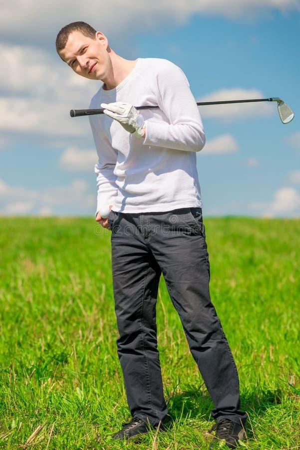 Portrait heureux de golfeur dans intégral image stock
