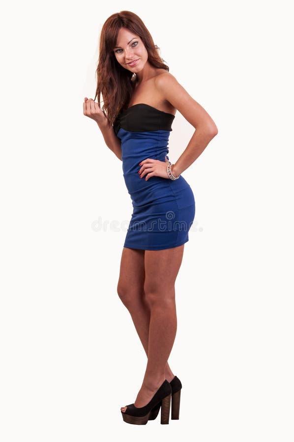 Portrait intégral de belle femme dans la robe jouant W photo libre de droits