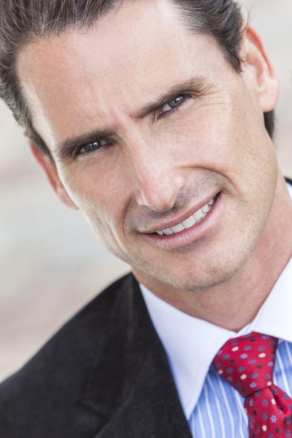 Portrait-mittlerer gealterter Mann oder Geschäftsmann stockfotografie