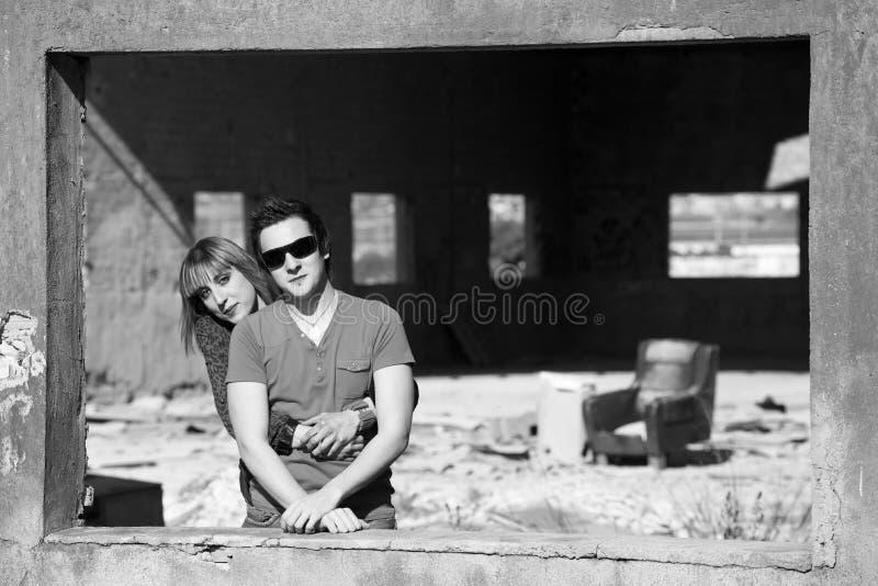 Portrait noir et blanc de couples image stock