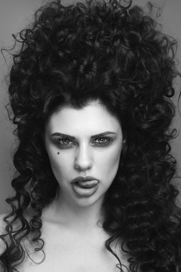 Portrait noir et blanc de style de vintage de beau gothique image stock