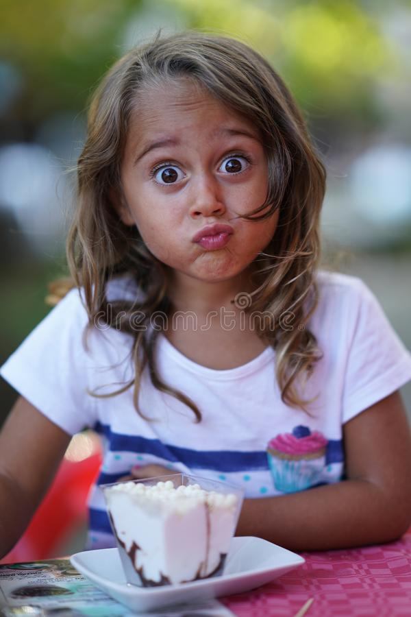 Free Portrait Of A 4 Year Old Girl Who Makes Funny Faces Stock Photo - 165998550
