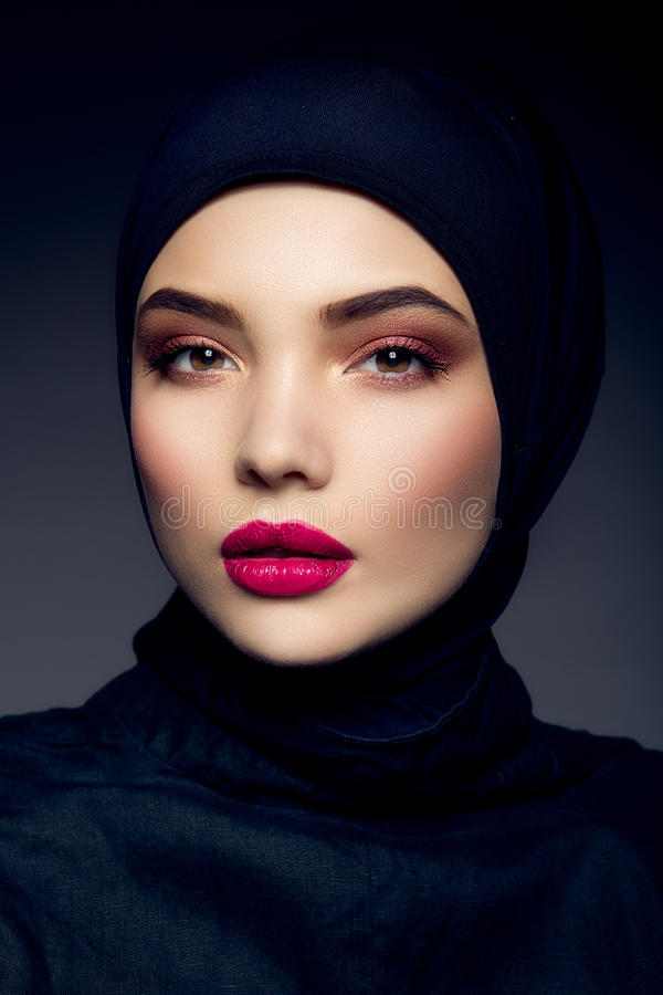 Free Portrait Of Beautiful Girl With Pink Lips. Royalty Free Stock Photography - 51654917