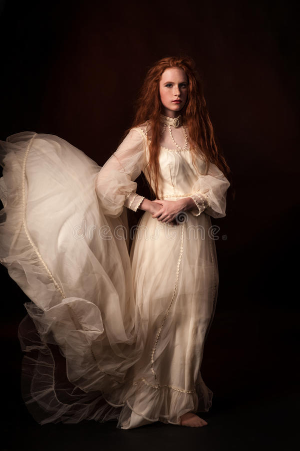 Free Portrait Of The Elegant Woman In Medieval Era Stock Photography - 42262182