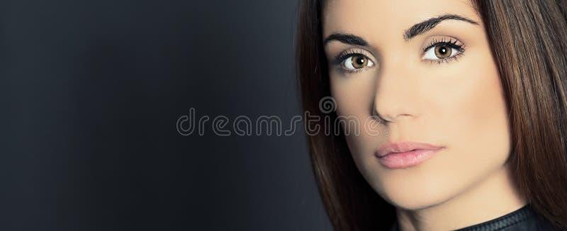 Portrait panoramique de belle femme images stock