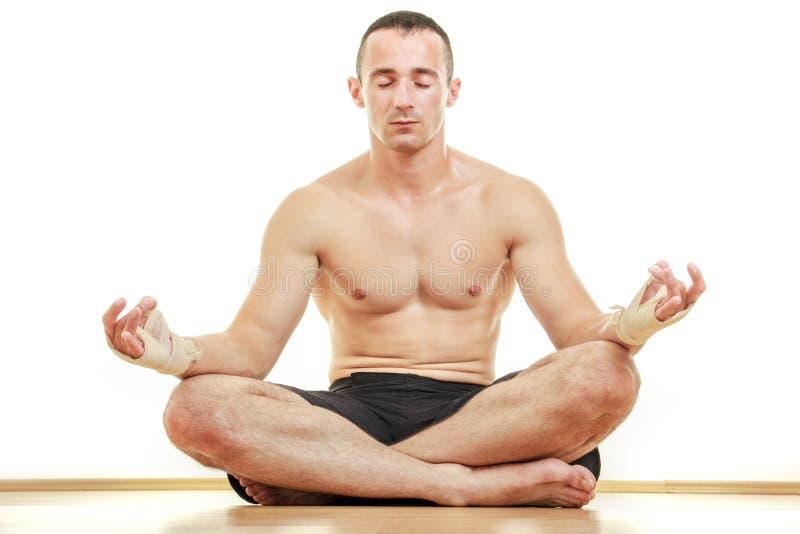 Portrait principal de méditation de sportif d'art martial photographie stock libre de droits