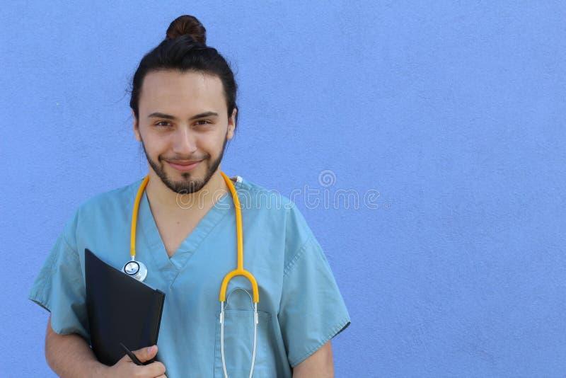 Portrait principal de tir de plan rapproché de professionnel sûr de soins de santé avec l'espace de copie du côté droit photo stock