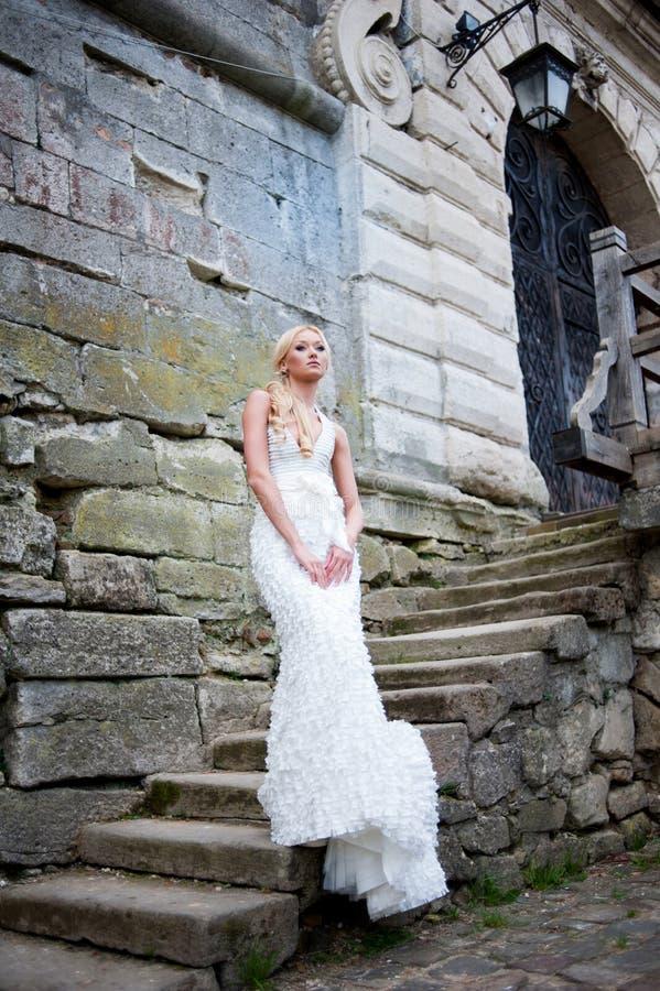 Portrait sensuel de belle jeune mariée images libres de droits