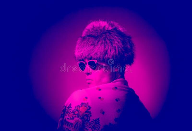 Portrait théâtral, fourrure de chapeau de photographie de mode photo libre de droits