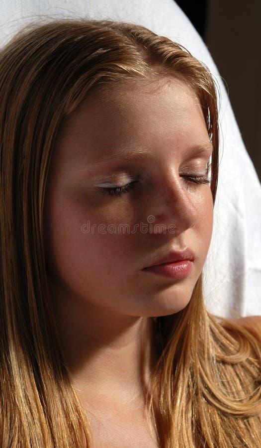 Portrait von jungem langhaarigem lizenzfreie stockfotos