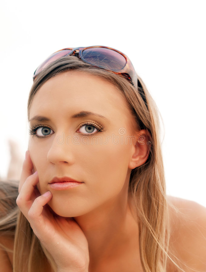 Portrait Young Blond Woman With Sunglasses Royalty Free Stock Photos