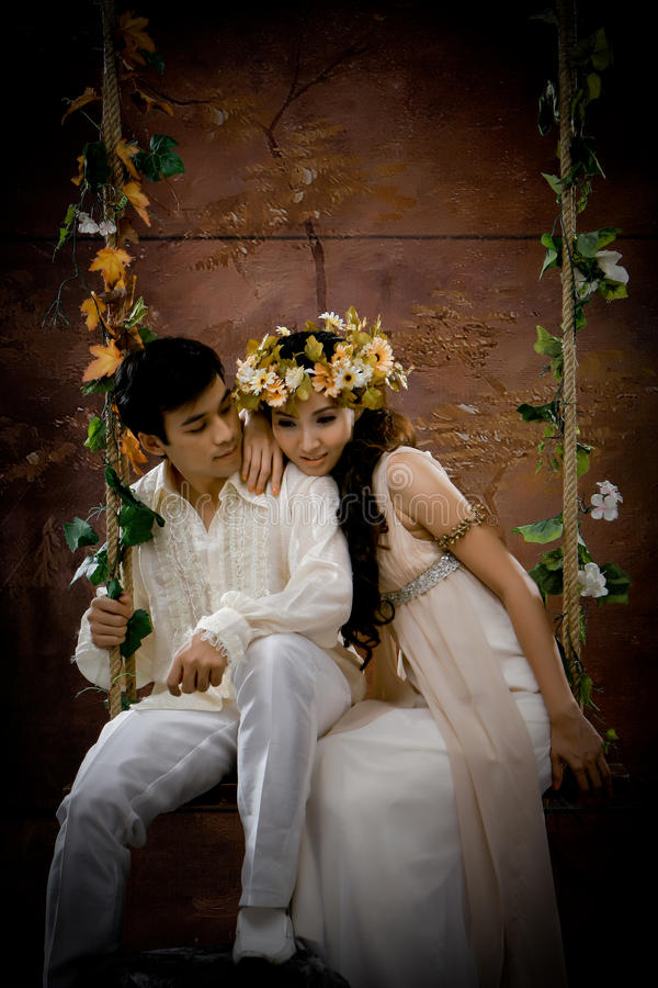 Download Portrait Of Young Couple In Antique Dress Stock Photo - Image: 20870478