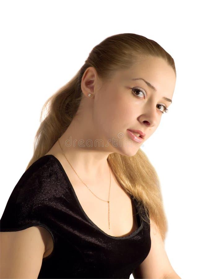 Portraitmädchen im schwarzen velure Kleid lizenzfreie stockfotografie