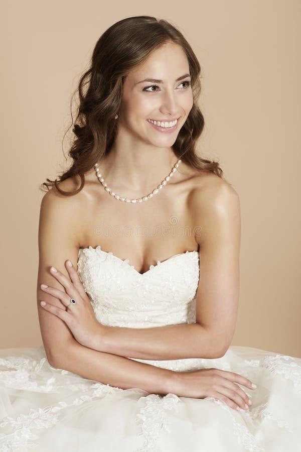 Portraitof een jonge bruid royalty-vrije stock afbeelding