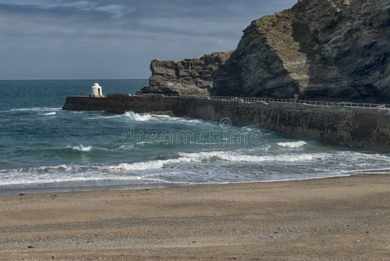 Portreath pir på Portreath, Cornwall UK arkivfoto