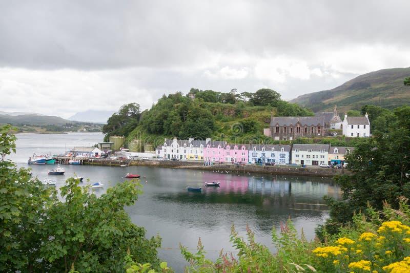 Portree港口,斯凯岛,苏格兰小岛  免版税图库摄影