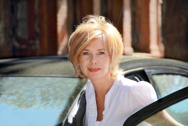 Portret ładna blond kobieta obraz royalty free