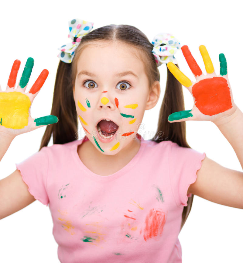 Portret śliczna dziewczyna bawić się z farbami zdjęcia royalty free