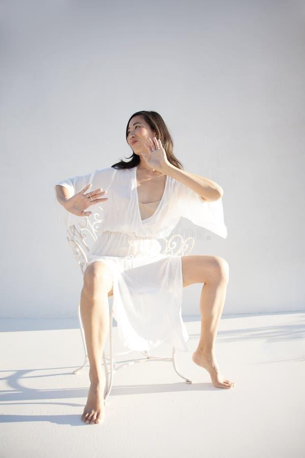 Portret Święta Sassy Azjatycka kobieta zdjęcie royalty free