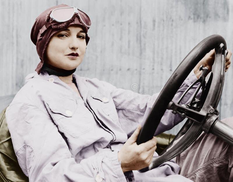 Portret żeński kierowca (Wszystkie persons przedstawiający no są długiego utrzymania i żadny nieruchomość istnieje Dostawca gwara obrazy stock