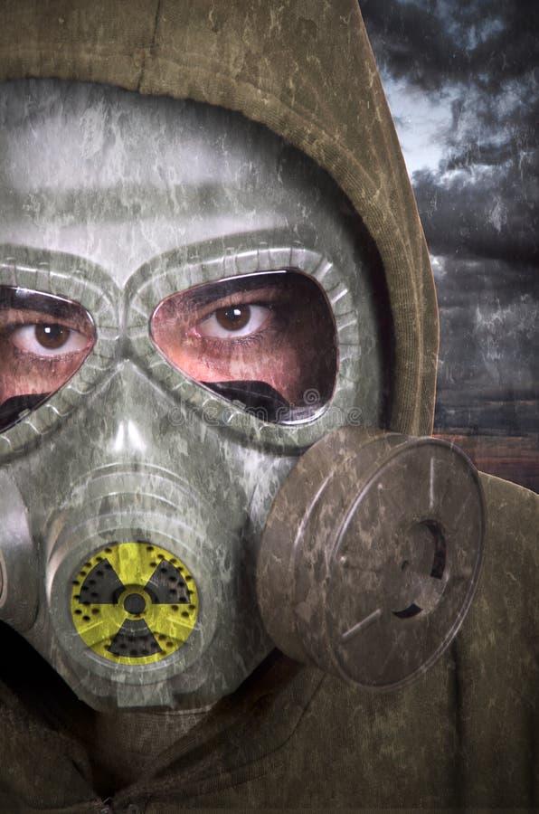 Portret żołnierz z maską gazową obraz royalty free