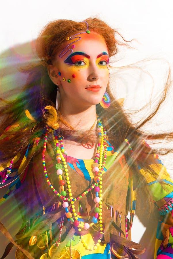 Portret молодой милой девушки hippie стоковое изображение rf