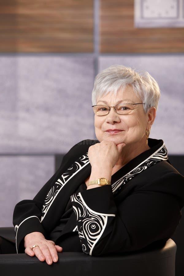 Portret aktywna starsza kobieta zdjęcie stock