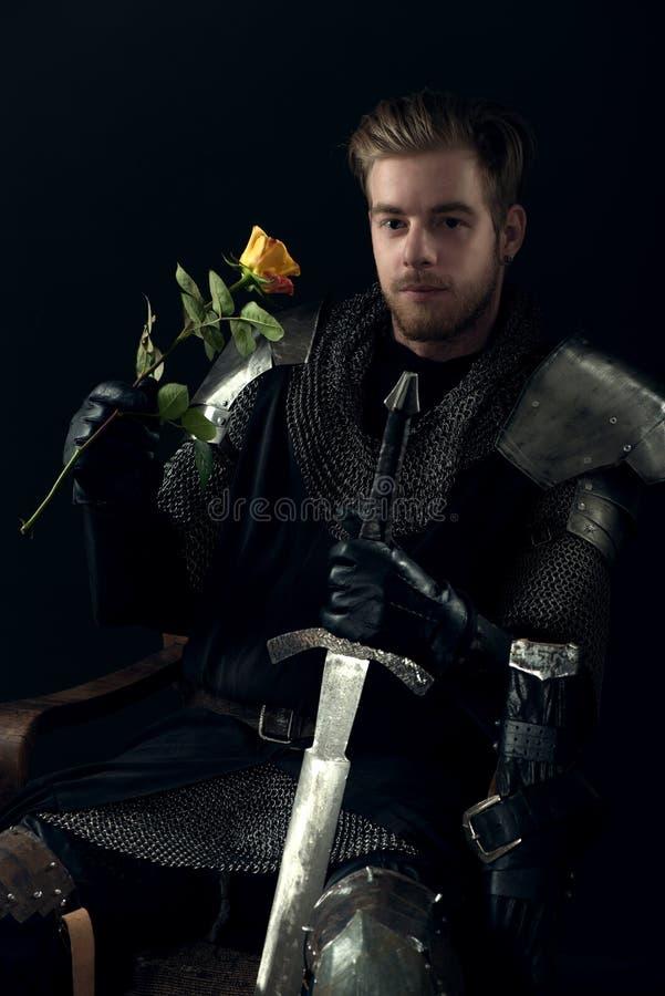 Download Portret antyczny rycerz zdjęcie stock. Obraz złożonej z kostium - 53781202