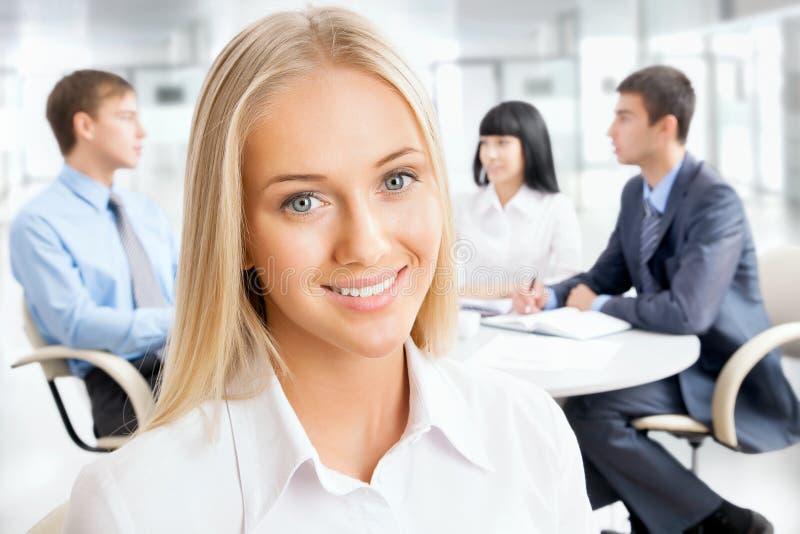 Portret atrakcyjna biznesowa kobieta fotografia stock