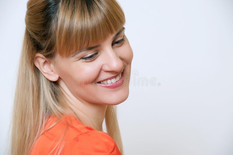 Portret atrakcyjna młoda kobieta. fotografia stock