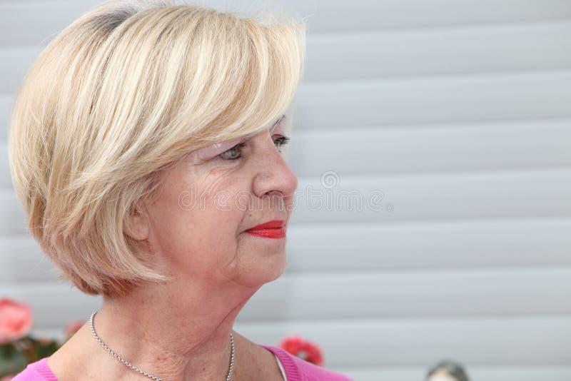 Portret atrakcyjna starsza kobieta obraz stock