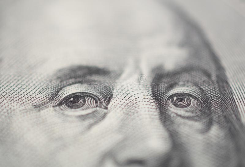 Portret Ben Franklin oko na USA 100 dolarowym rachunku w makro- zdjęcia royalty free