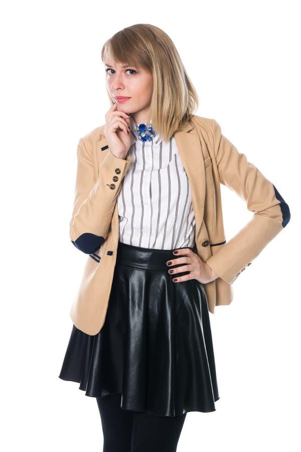 Portret biznesowa blondynka w beżowej kurtce zdjęcie stock