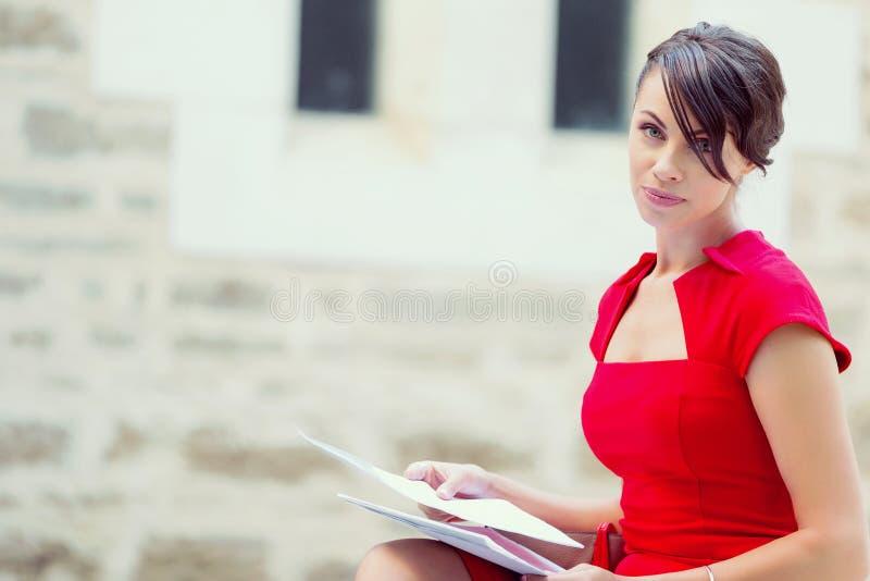 Portret bizneswoman outside fotografia royalty free