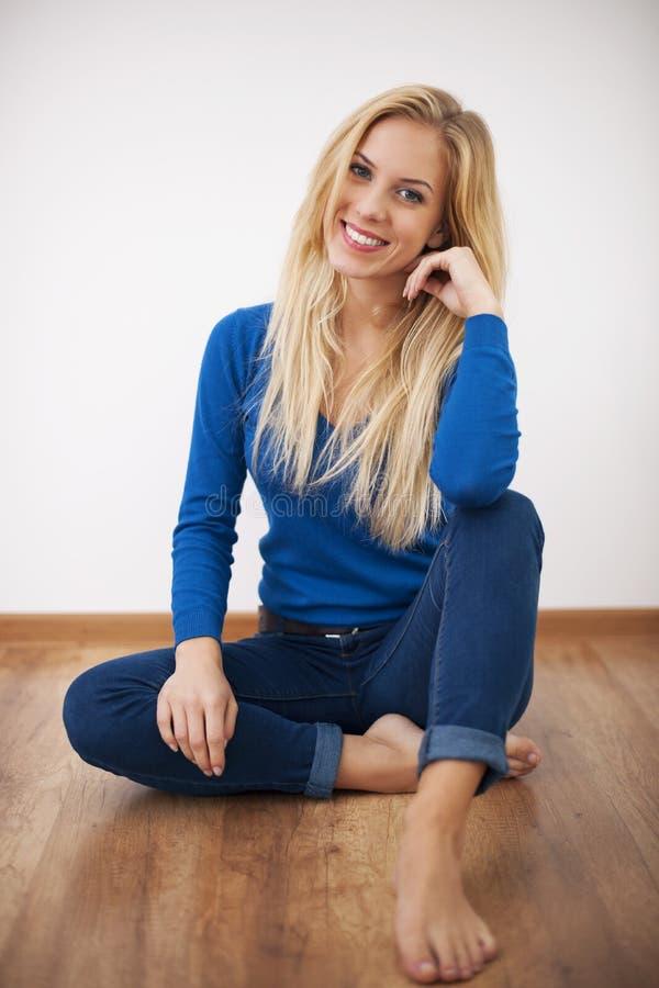 Portret blondynki kobieta zdjęcia stock