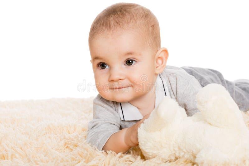 Portret chłopiec patrzeje daleko od troszkę obrazy stock