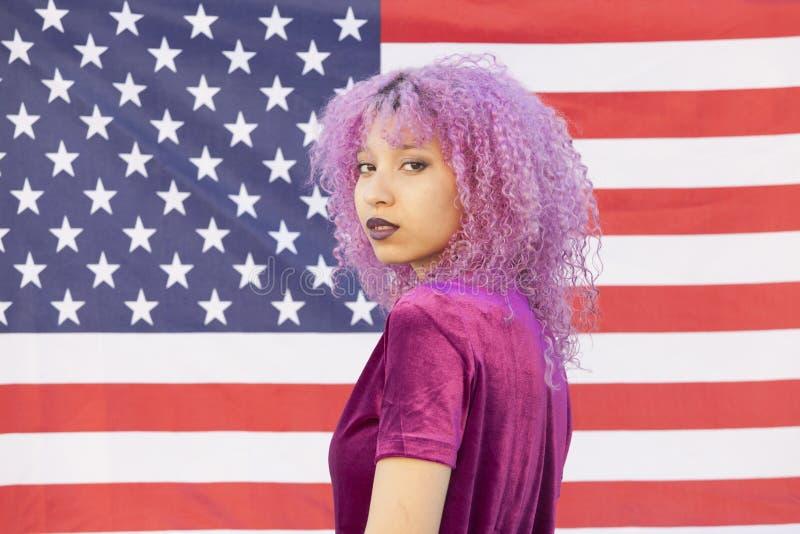 Portret czarna amerykańska kobieta odizolowywająca na Stany Zjednoczone o fotografia royalty free