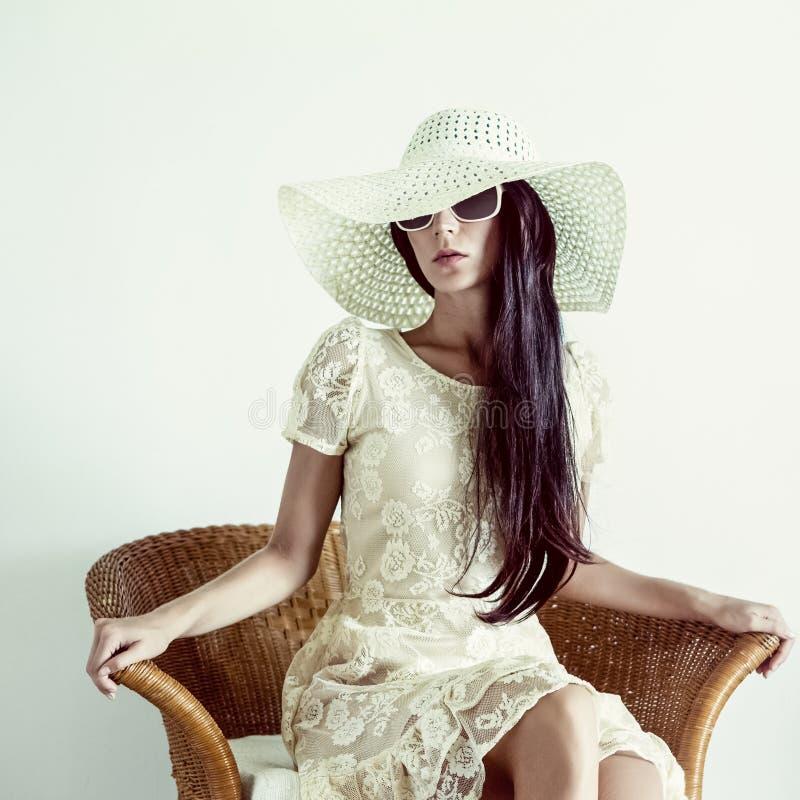portret dama w rocznika krześle fotografia royalty free