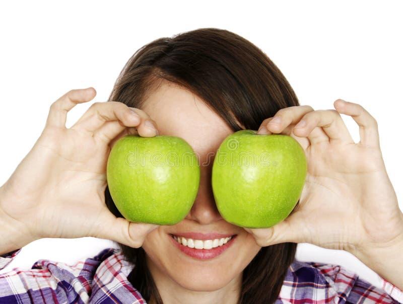 Portret di una ragazza con due mele immagini stock libere da diritti