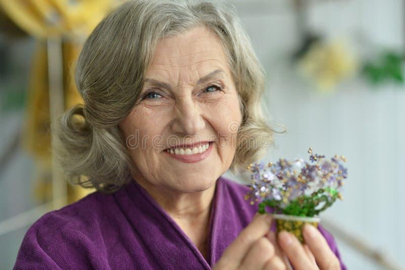 portret dof seniora płycizny kobieta zdjęcie stock