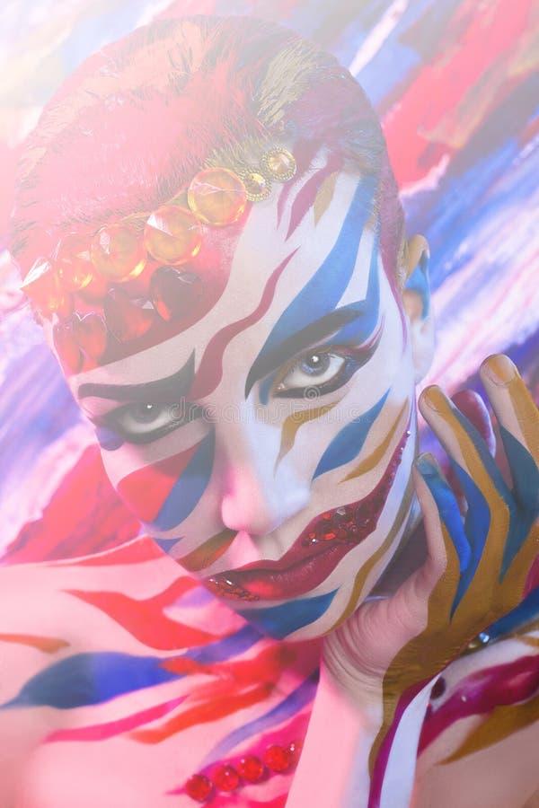 Portret dziewczyna malował z barwionymi atramentami fotografia royalty free