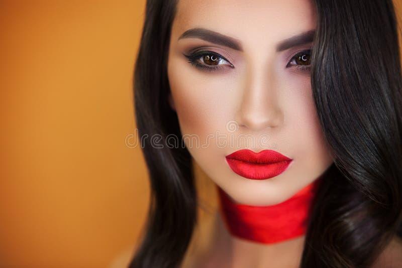 Portret dziewczyny pięknej dziewczyny makijażu fachowy artysta obrazy royalty free