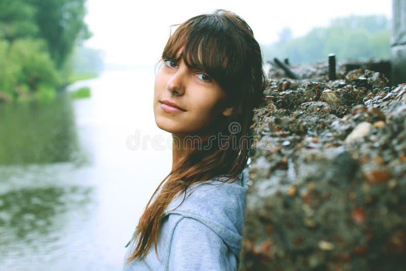 Portret dziewczyny piersi portret zdjęcia royalty free